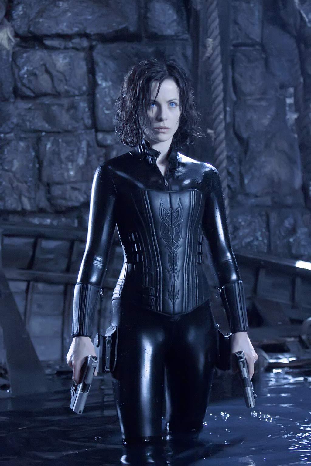 Selene The Vampire Death Dealer of the Underworld! It's ...