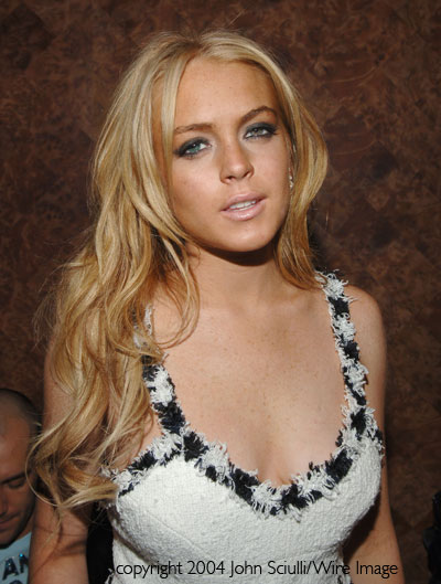 Finger Tattoo; Lindsay Lohan