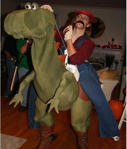 http://loyalkng.com/wp-content/uploads/2009/04/top-10-mario-cosplays-costumes-luigi-princess-peach-toad-wario-waluigi-bowser-yoshi-10.jpg