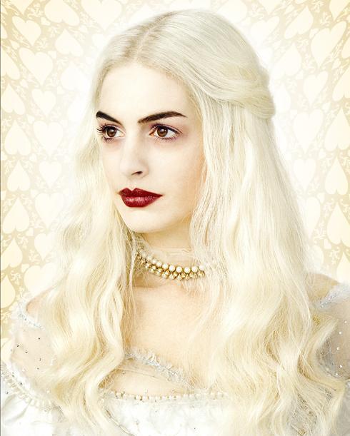Johnny Depp (Mad Hatter), Anne Hathaway (White Queen