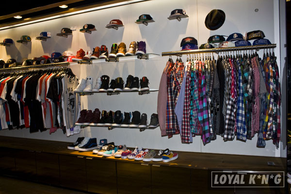 Loyal k n g visits centre streetwear boutique of dallas for Centre boutique