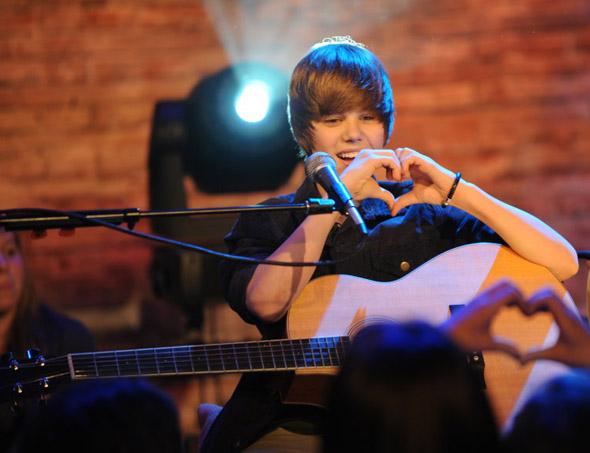 justin bieber love heart. Justin Bieber#39;s classic hair