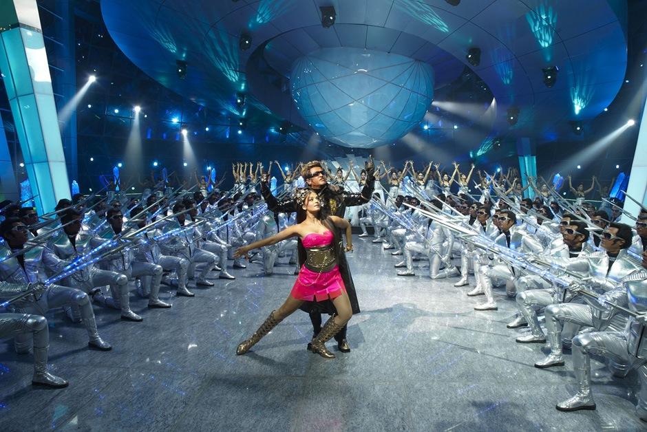 "India's robot movie ""endhiran"" theatrical trailer! dancing"